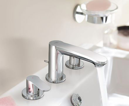 Eurostyle cosmopolitan wideset three hole basin mixer